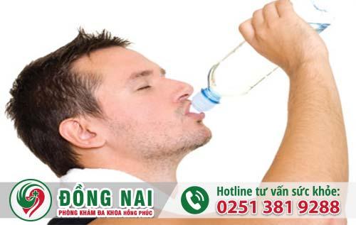 Bổ sung lượng nước đủ cho cơ thể